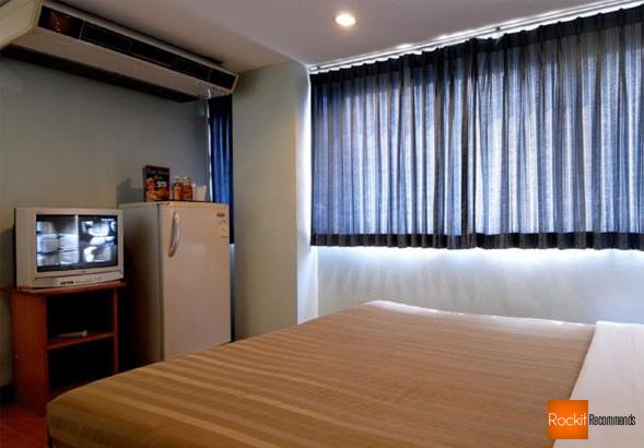 Unico Express review Sukhumvit Soi 3 Bangkok guest friendly hotel cheap