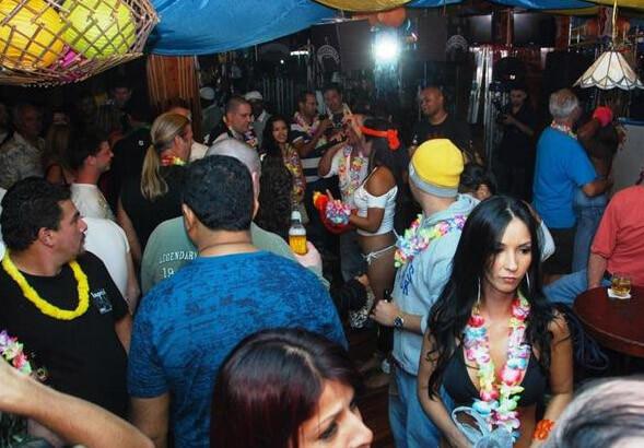 Hotel Del Rey Costa Rica Girls